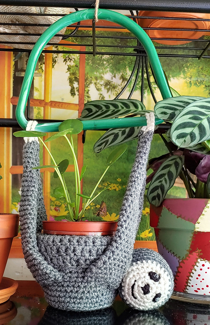 diy crochet hanging sloth plant holder