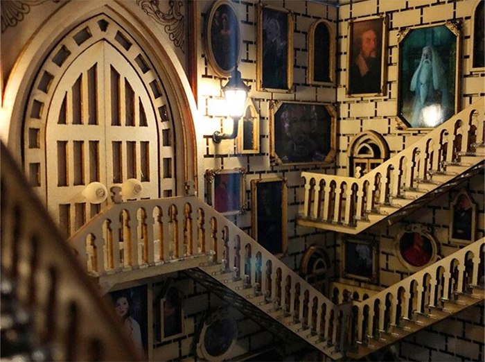 hogwarts-inspired book nook moving staircases