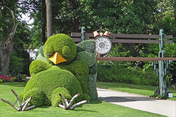 claude ponti napping chick topiary sculpture jean-pierre dalbera
