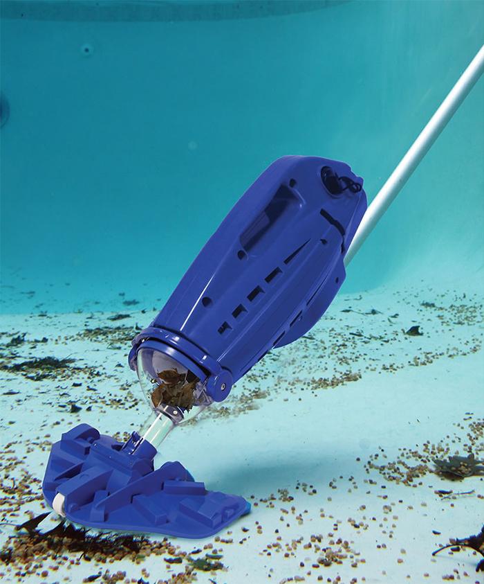 hoseless pool vacuum cleaner