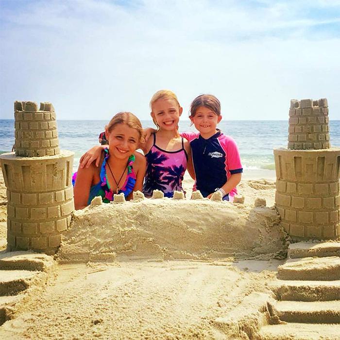sand castle towers building