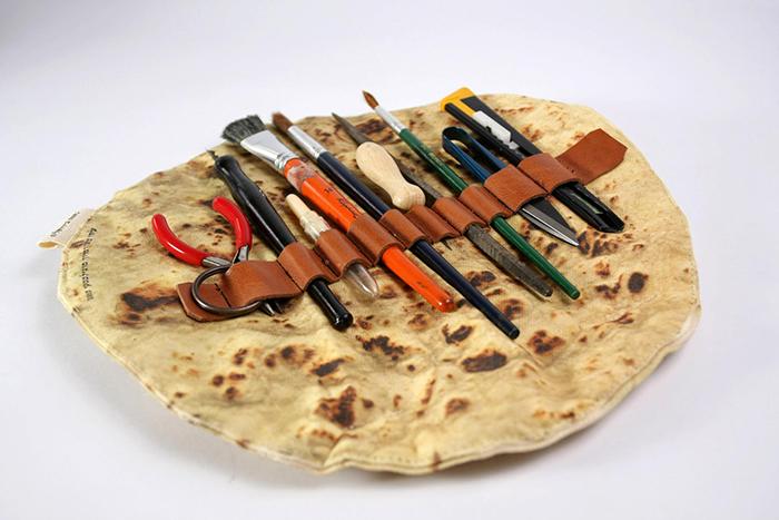 burrito style roll up paintbursh organizer