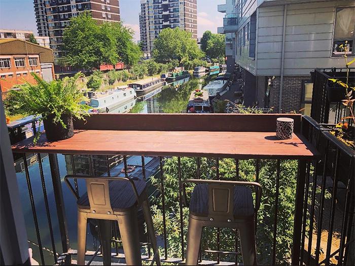 hanging balcony desk railing
