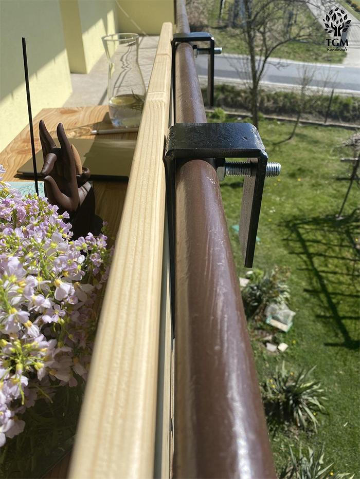 railing hook on adjustable steel brackets