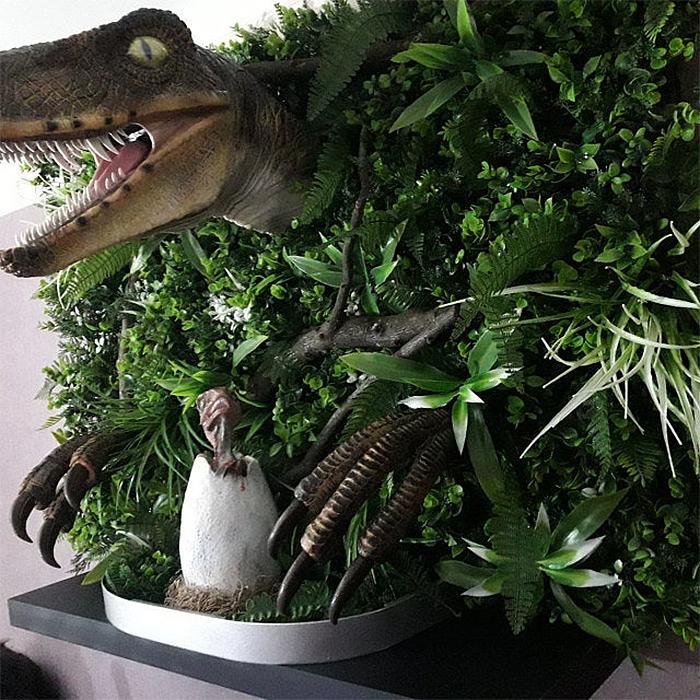 realistic velociraptor jurassic-inspired