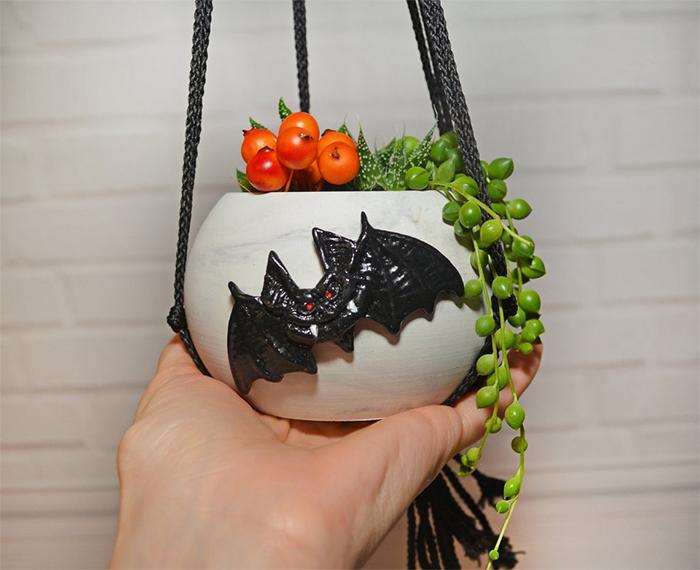 halloween themed sphere pot