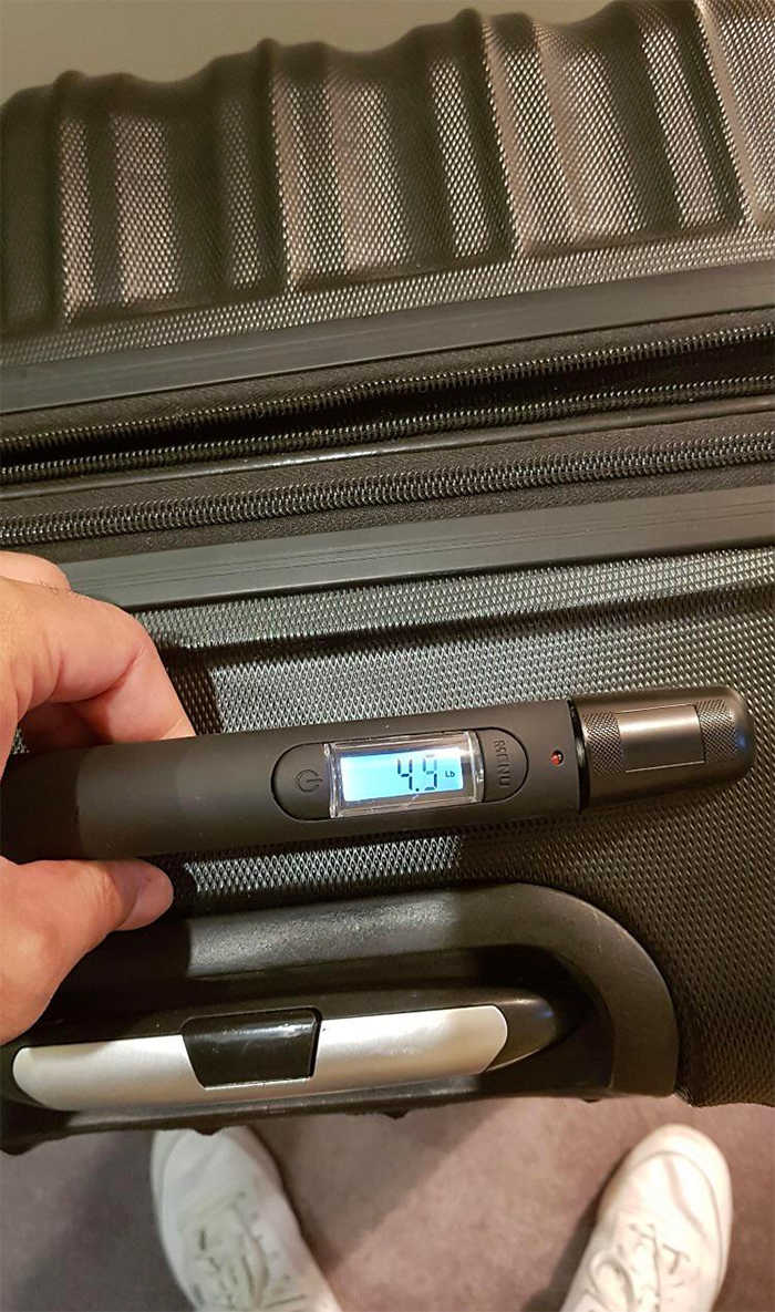 suitcase with built-in weighing scale