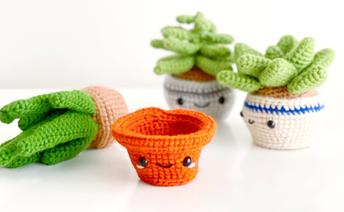 yarn potted plants