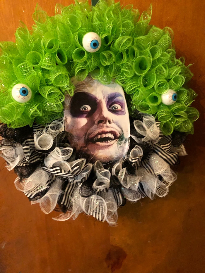 beetlejuice wreath with eyeballs