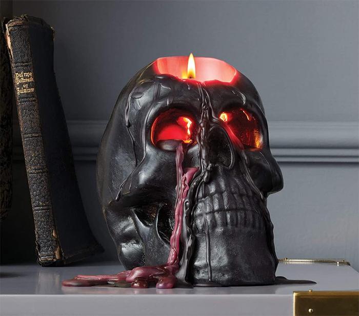bleeding black skull candle