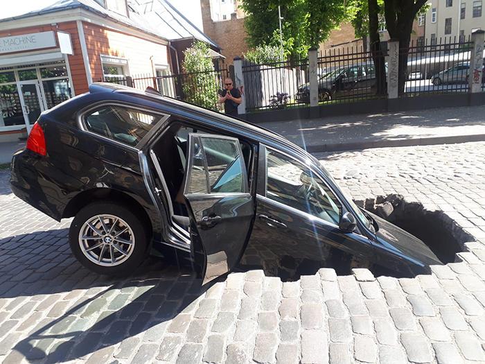 car fallen into sinkhole