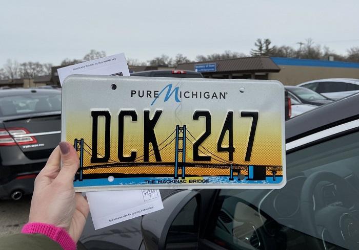 dck 247 car plate
