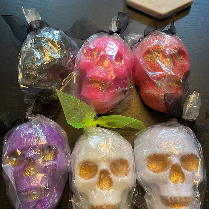 skull bath bomb different colors and scents