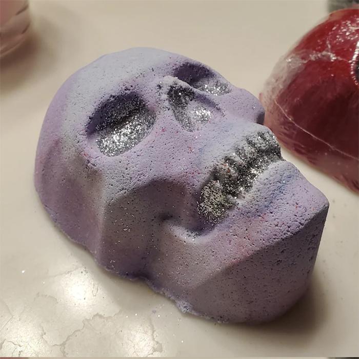 skull bath bomb purple