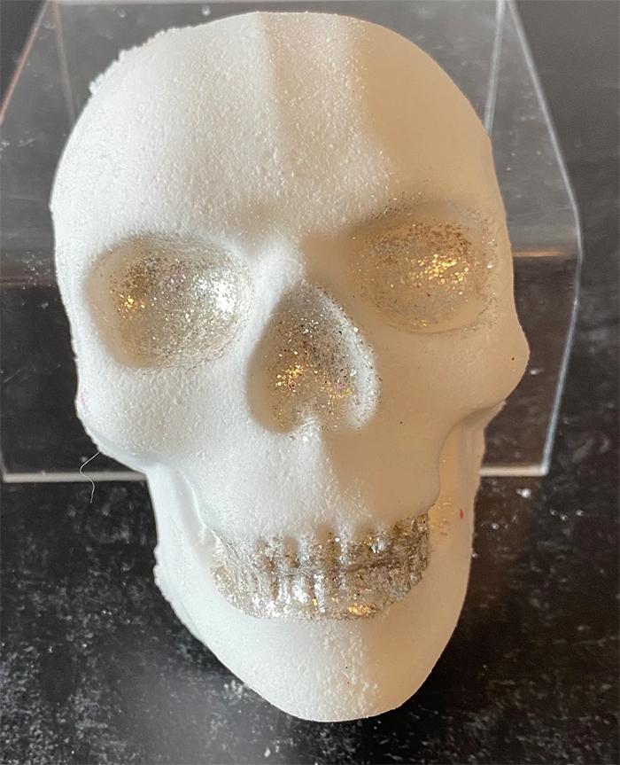 skull bath bomb white lavender scent
