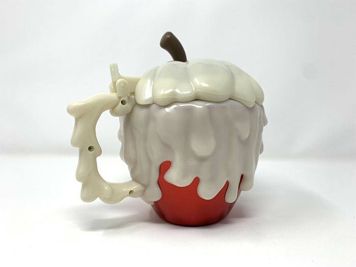snow white poisoned fruit cup back detail