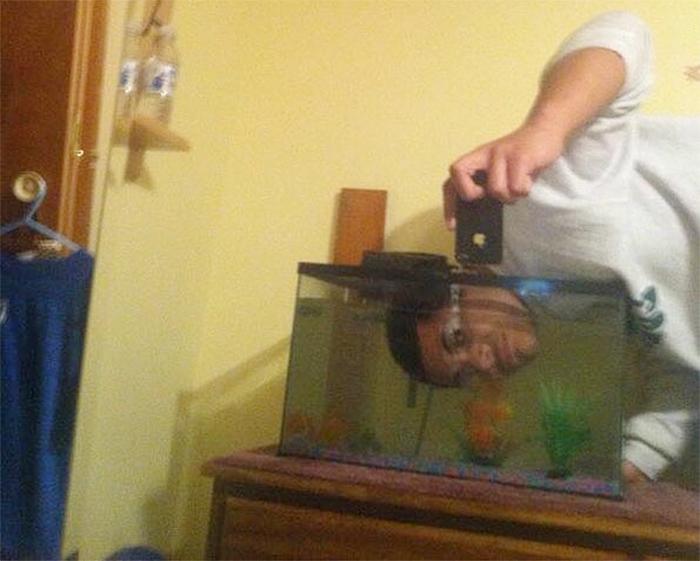strange things underwater selfie